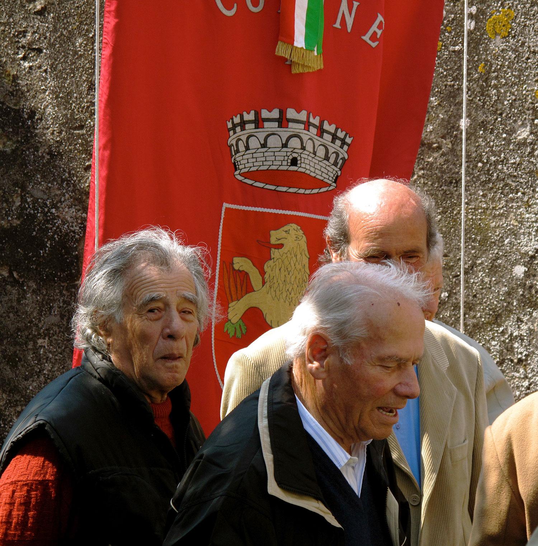 ron-miriello-grafico-Radicondoli-casa-illuminata-siena--Miriello-tuscany-italy-officina-la-pergola-10.jpg