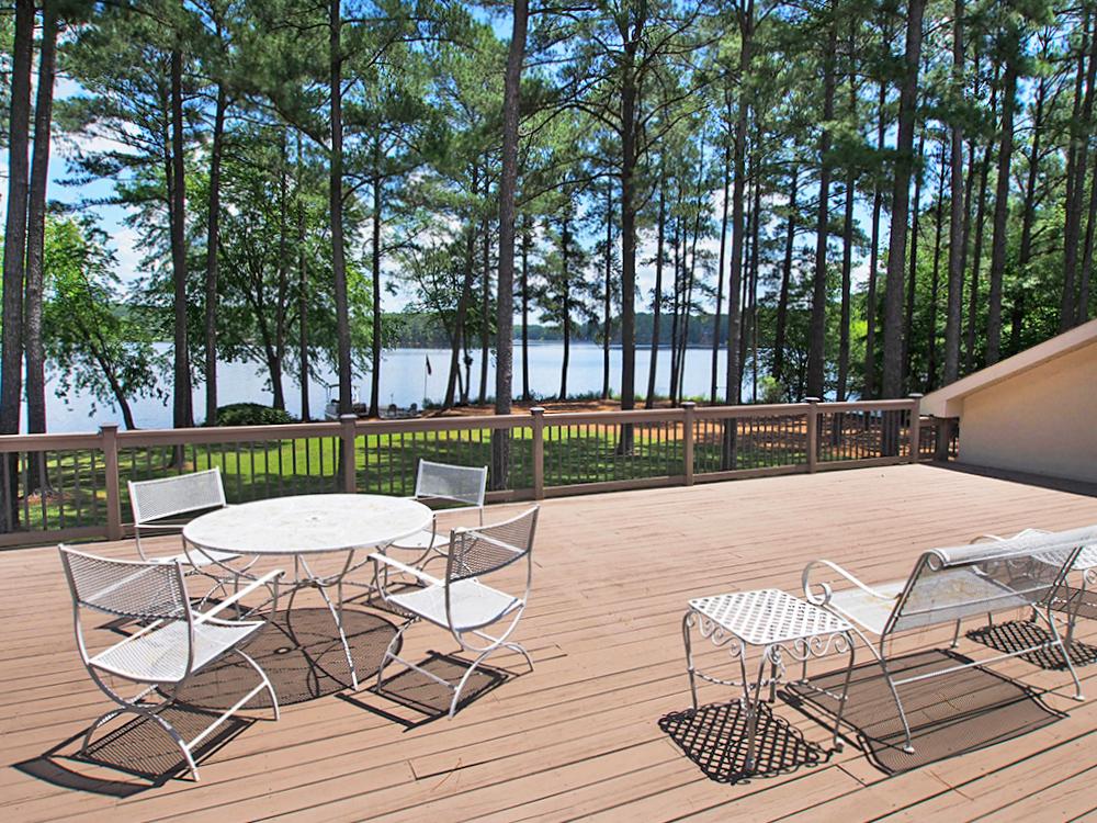 deck seating.jpg