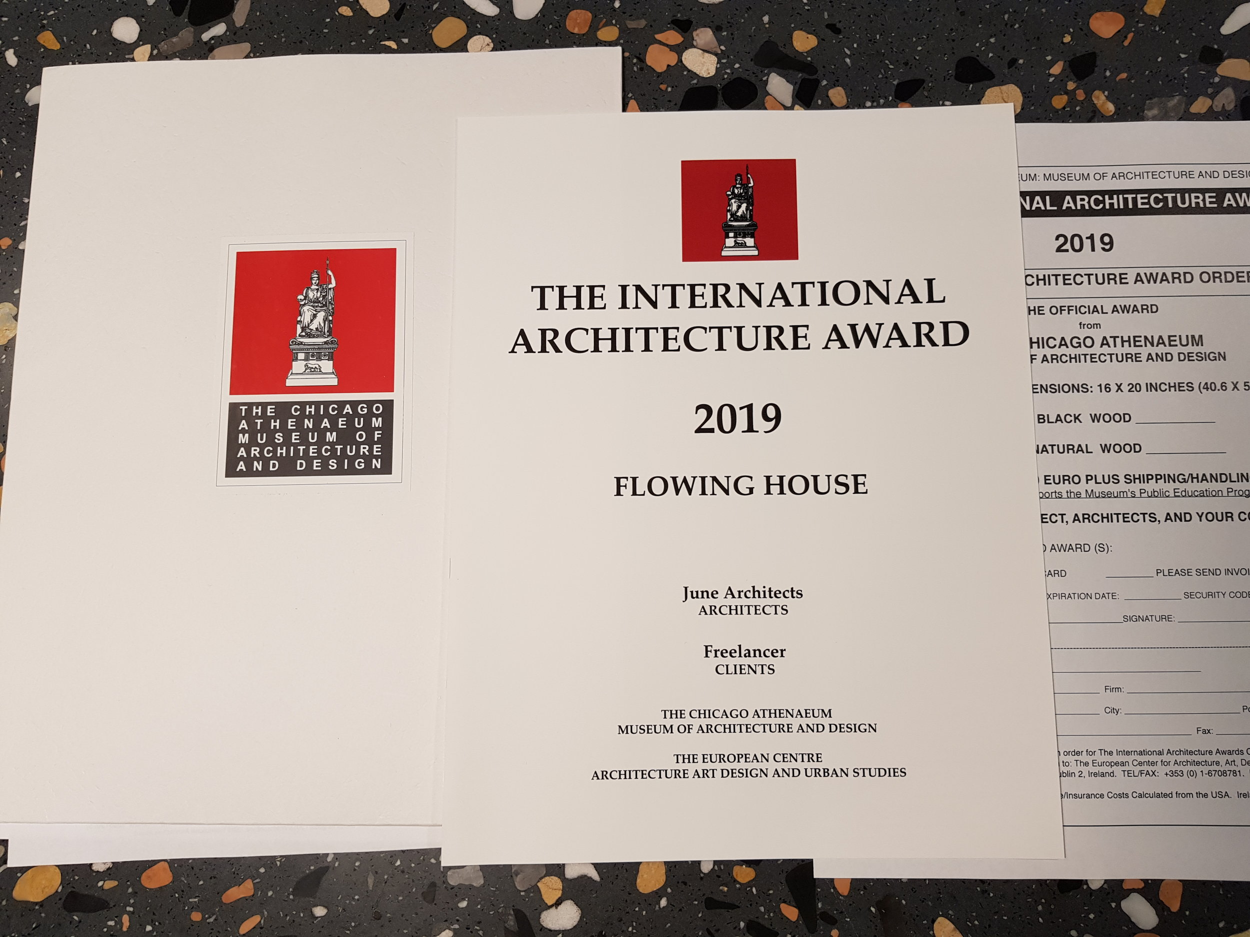 2019 THE INTERNATIONAL ARCHITECTURE AWARDS 흐르는 집 1.jpg