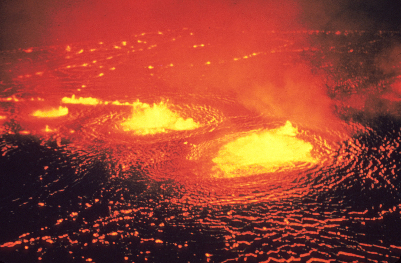 Recent models of the very early Earth showed that the planet could have been cooling rapidly by heat-pipe volcanism (just like Jupiter's moon Io). Image shows the May 1954 eruption of Kilauea Volcano in Hawaii. Credit: J.P. Eaton, May 31, 1954 [Public domain], via Wikicommons.