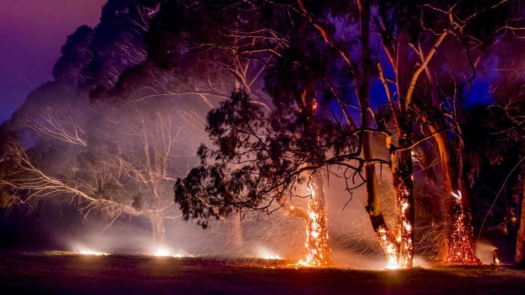 Lancefield bushfire March 30 2016. Source  https://www.heraldsun.com.au/leader/north-west/after-two-major-fires-in-the-macedon-ranges-season-draws-to-close/news-story/a1b148874328840c7bc7455030899c36