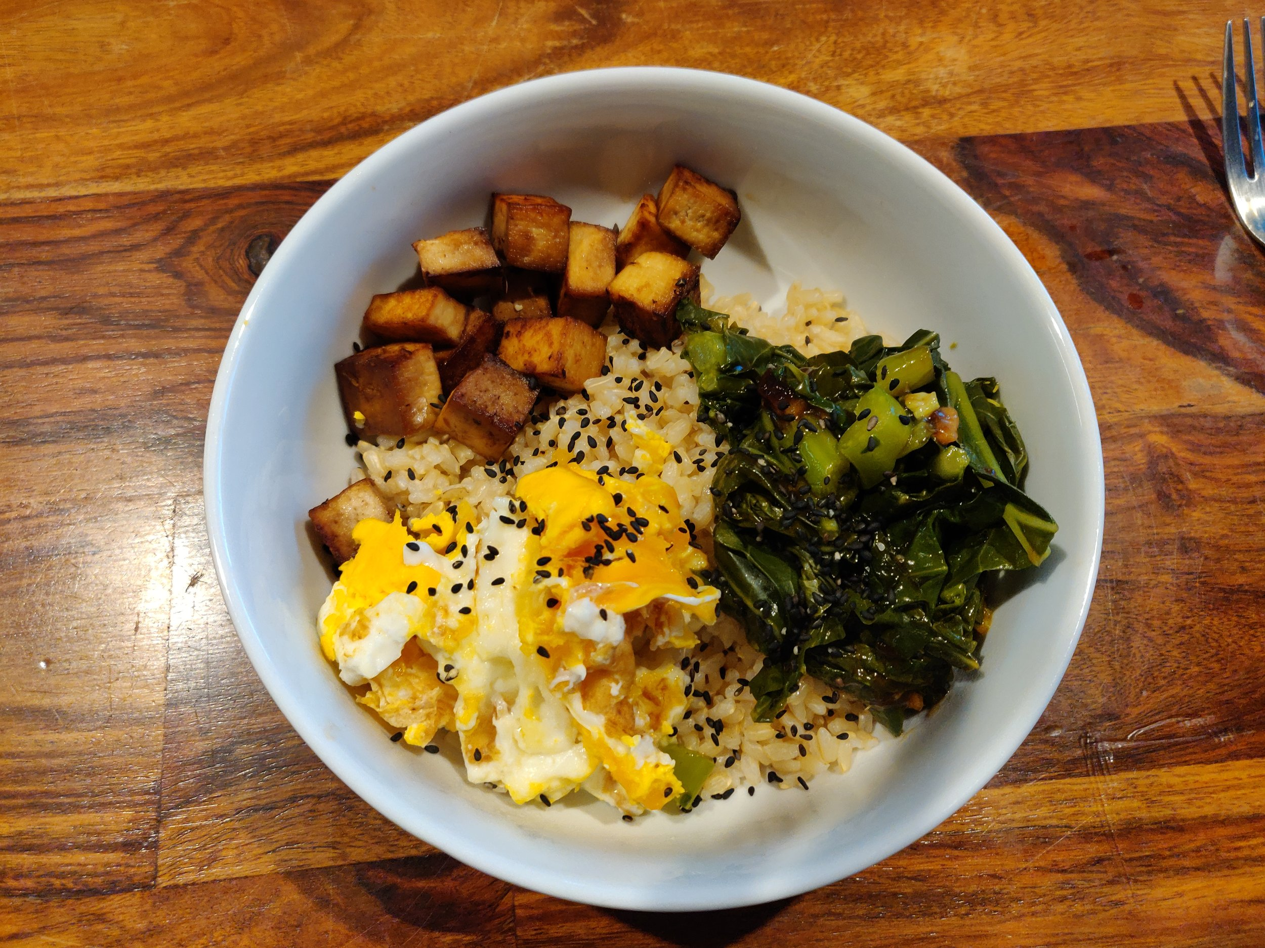 Brown rice bowl with Kailan, egg and marinated tofu