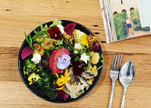 Look at this delish #vegetarian bowl from @fox_in_the_chamber in #woodend in the #macedonranges. So full of goodness! Picked mushrooms, beetroot, roasted cauliflower, leaves, fetta. It just needs a #vegan cheese option for #plantbased diets.  #morevegmoreoften #lessmeatmoreveg #eatfortheplanet #eatforyourhealth #visitmacedonranges