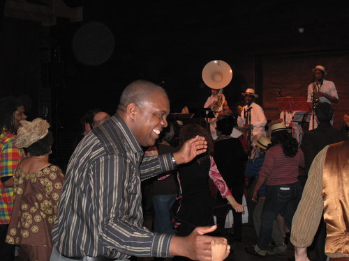 Caribbean Square Dancing in Paris - A night spent dancing squares in the Northern suburbs of Paris with local band Caribop.