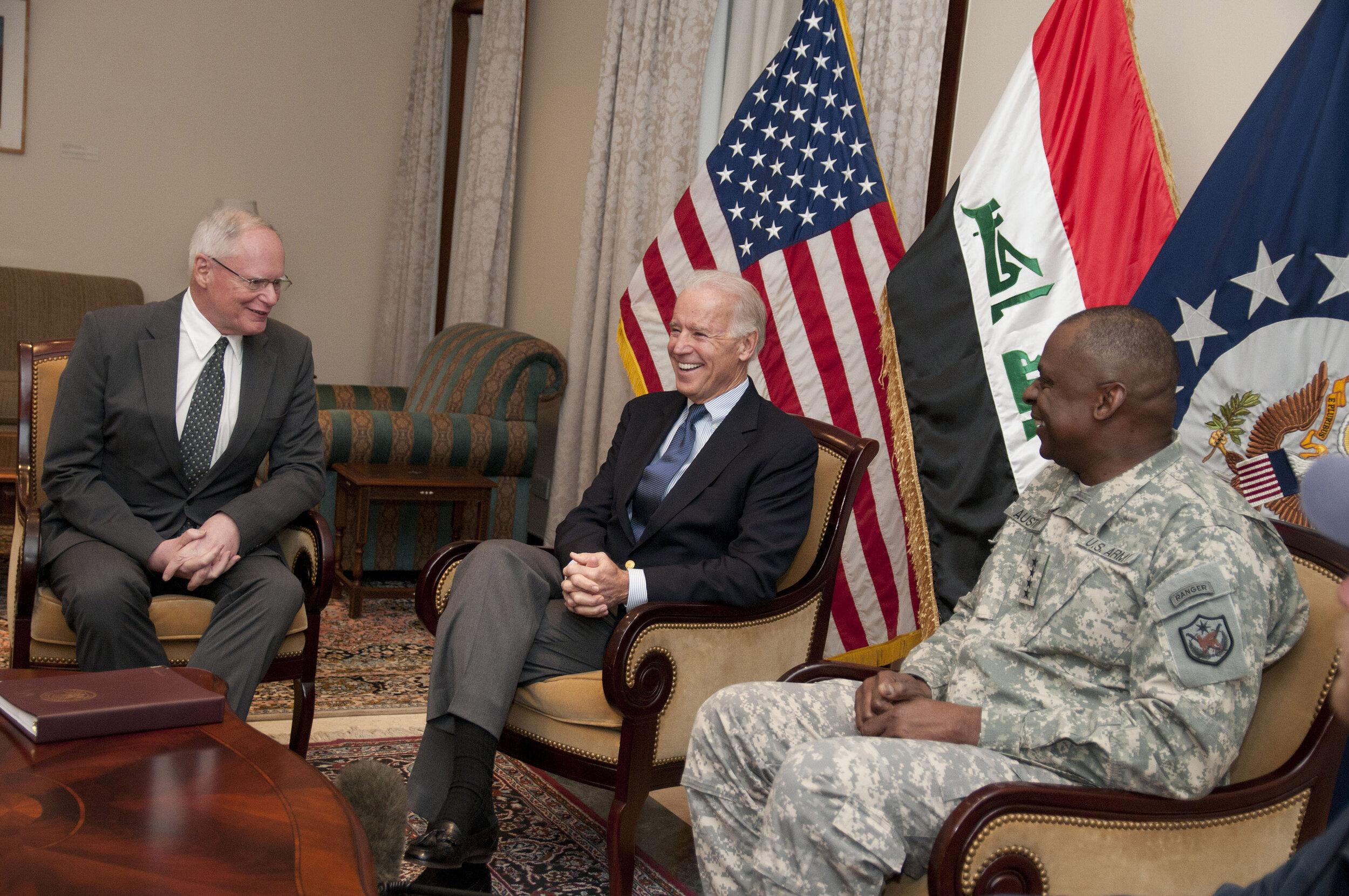 Flickr_-_DVIDSHUB_-_Vice_President_visits_Iraq1.jpg