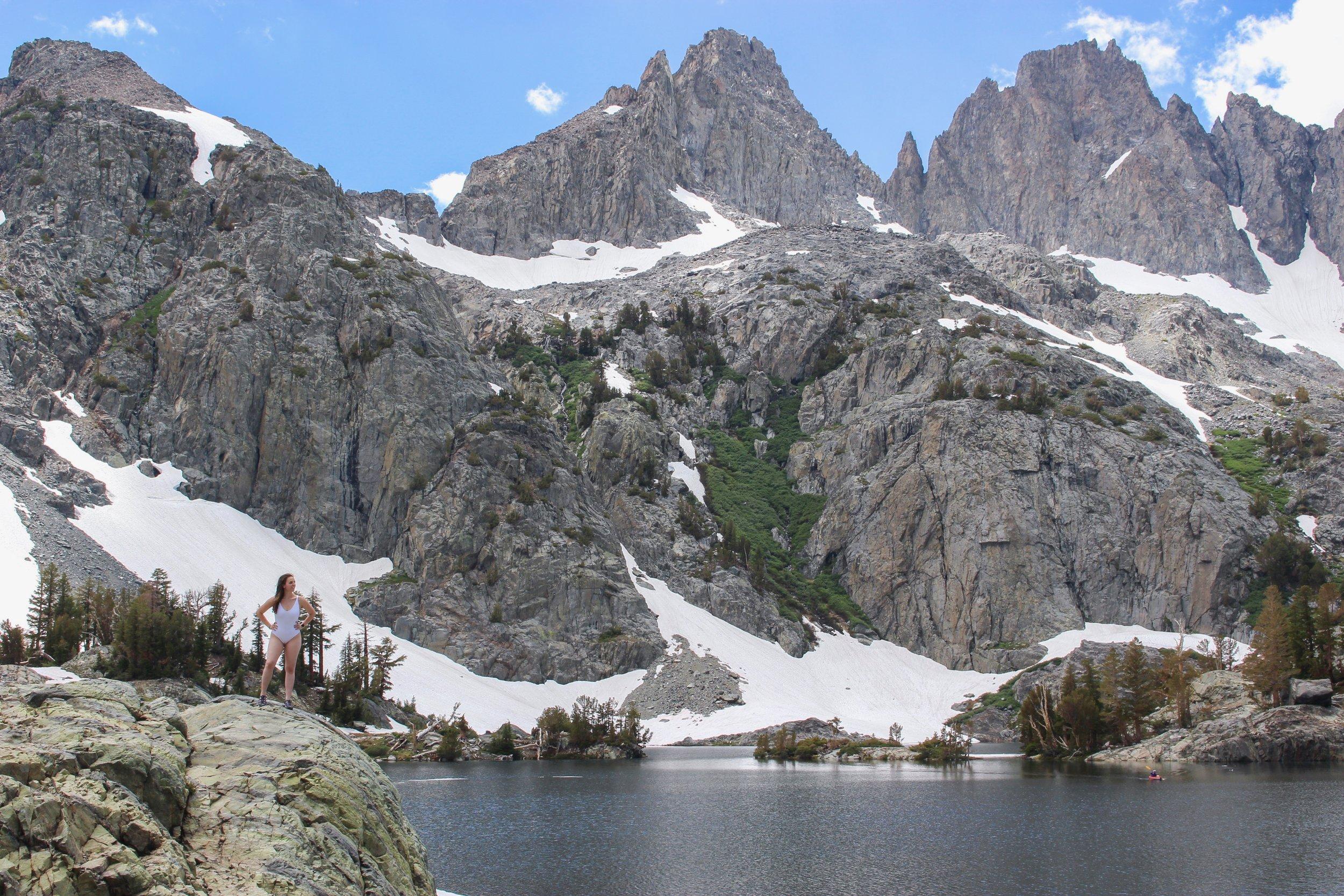 Hiking to Minaret Lake