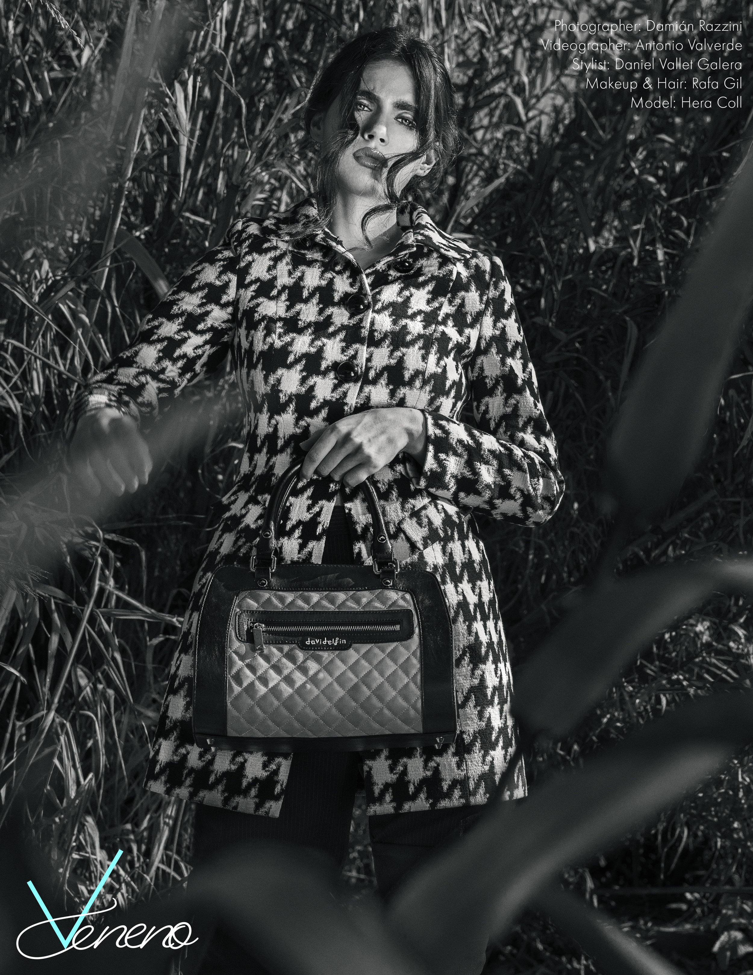 Houndstooth Coat: Madame Sui, Handbag: David Delfín, Boots: Guess