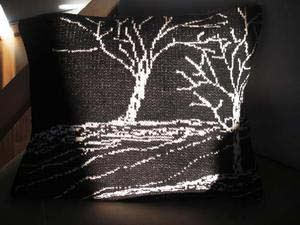 träd kudde svart off white.jpg