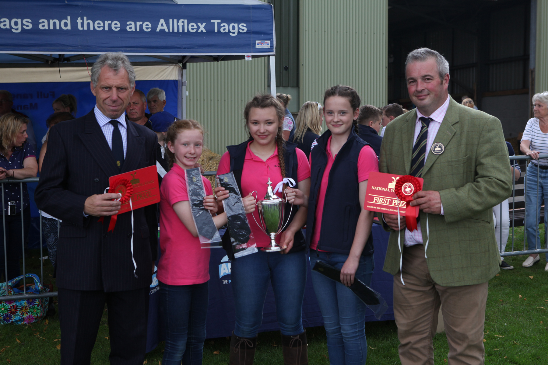 2017 National Young Stars winning team pictured with Royal Smithfield Club Chairman William Bedell (left) and NYS Event Organiser Neil Lloyd (right)