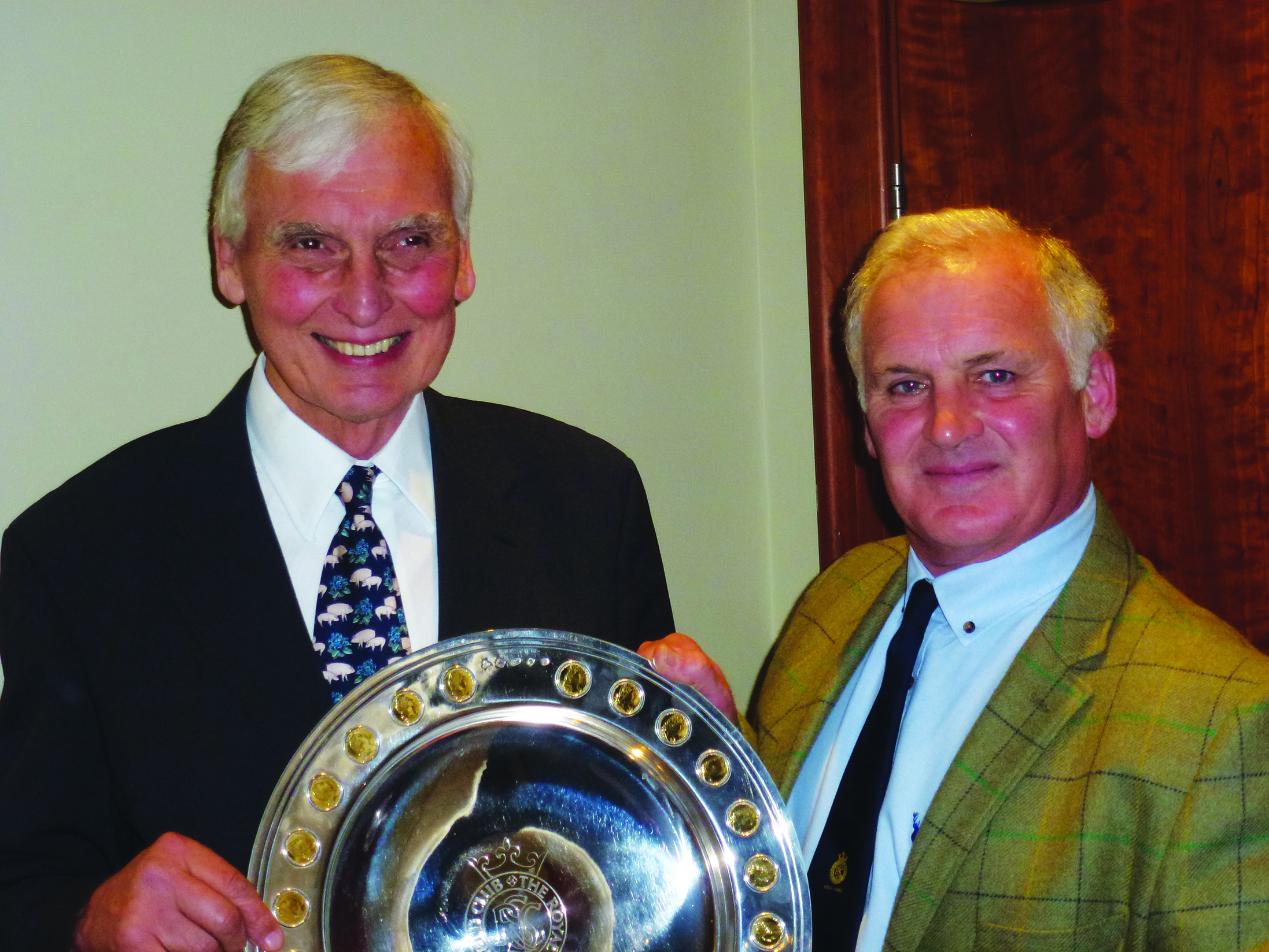 2017 Bicentenary Trophy winner Robert Forster receiving the award from Club Trustee Julian Hopwood
