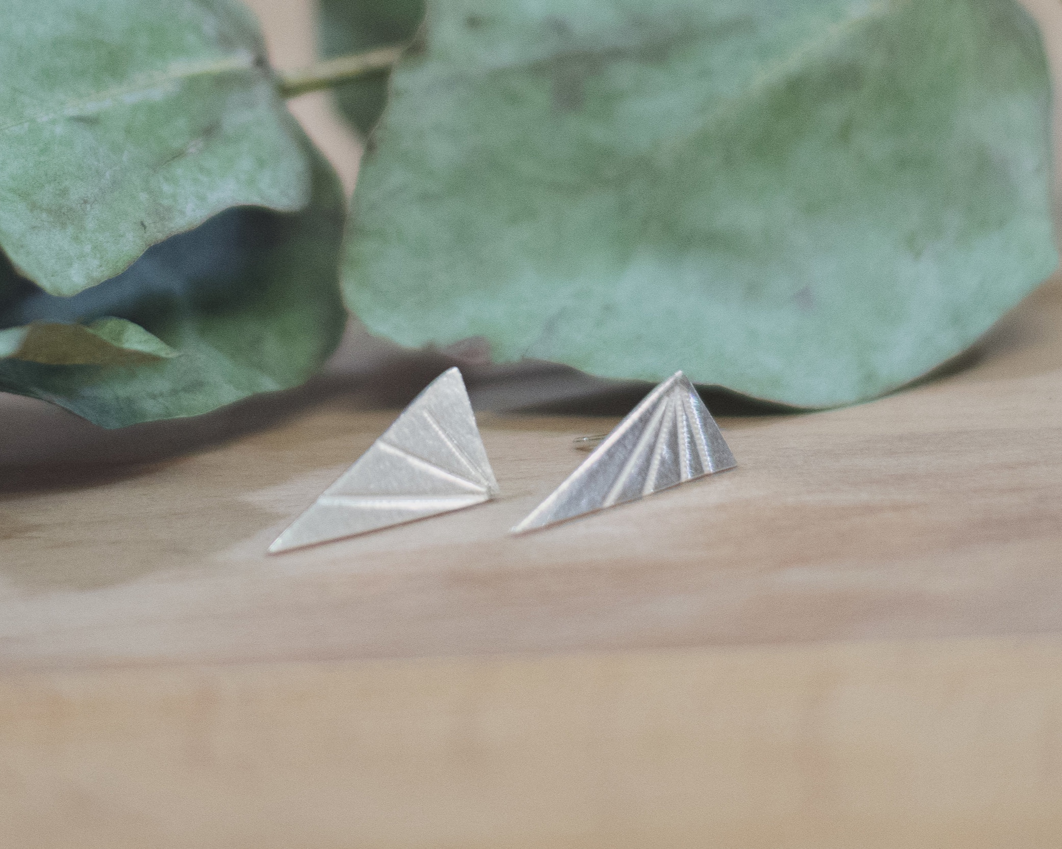 Week 6 - Cufflinks or earrings - During week 6 you will start by focussing on working with jewellery 'findings' such as ear wires, rings and clasps. Following this you will use these new skills to design and make a lovely pair of cufflinks or earrings.