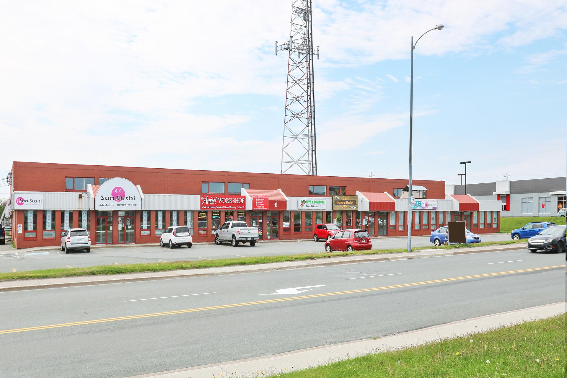 - FOR LEASE | 2308 SQ.FT.