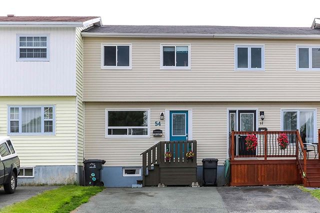 ⠀⠀⠀⠀⠀⠀⠀⠀⠀ NEW LISTING! 54 Lindbergh Crescent, Mount Pearl $206,500 ⠀⠀⠀⠀⠀⠀⠀⠀⠀ MLS ®: 1199184 Well-kept 3 bedroom, 1.5 bathroom town home, conveniently located off of Ruth Avenue. Call Michael King at (709) 689-7757! ⠀⠀⠀⠀⠀⠀⠀⠀⠀ Learn more at remaxplusrealty.ca ⠀⠀⠀⠀⠀⠀⠀⠀⠀ #newlisting #nlrealestate #townhome #realestate #househunting #mountpearl #moveinready #homeforsale