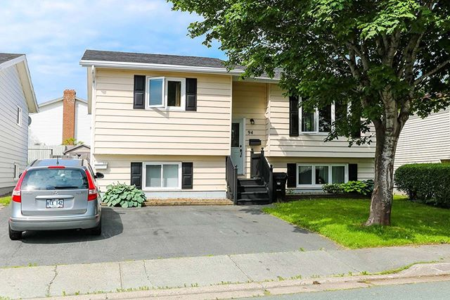 ⠀⠀⠀⠀⠀⠀⠀⠀⠀ NEW LISTING! 94 Guzzwell Drive, St. John`s $279,900 ⠀⠀⠀⠀⠀⠀⠀⠀⠀ Great starter home or income property! Featuring a spacious two bedroom basement apartment that is currently rented. MLS ®: 1200284. ⠀⠀⠀⠀⠀⠀⠀⠀⠀ 3 Bedrooms 1 Bathroom 2150 Square Feet ⠀⠀⠀⠀⠀⠀⠀⠀⠀ Call Louise Maddigan at (709) 765-5588. ⠀⠀⠀⠀⠀⠀⠀⠀⠀ Visit us at remaxplusrealty.ca for more details. ⠀⠀⠀⠀⠀⠀⠀⠀⠀ #nlrealestate #realestate #yyt #homeforsale #2apartment #househunting #rentalincome #starterhome #realtor
