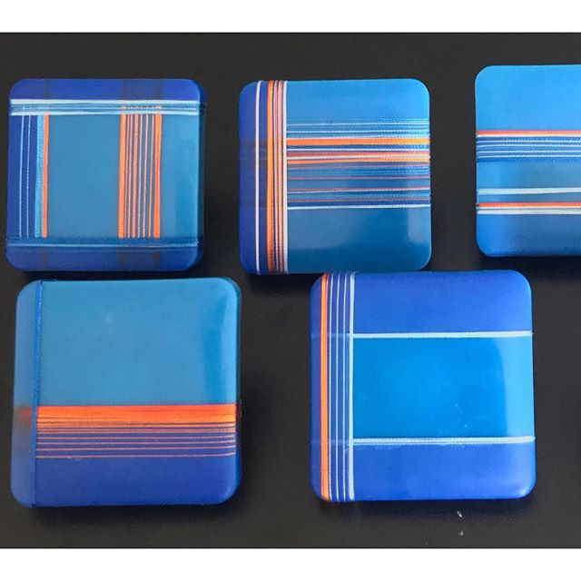 Mixed some new encaustic paint colors for this series using cobalt and ultramarine pigments. Casting, wrapping, dipping, repeat. I'll create 55 individual components for this one! . . . . #wip #contemporaryart #abstractart #contemporaryartcollectors #encaustic #grid #colors_of_day #linedrawing #color #cobaltblue #colorstudy #downtownashevilleartdistrict #mixedmedia #orange
