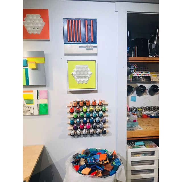 Studio clean up weekend...by column, by angle, by color. This tidiness is a little intimidating. . . . . #contemporaryart #artistsoninstagram #artstudio #ashevilleartist #studiotime #whatsnext #creativespace #mixedmediaartist #mixedmedia #encausticart #studioorganization #contemporaryartcollector #contemporaryartist