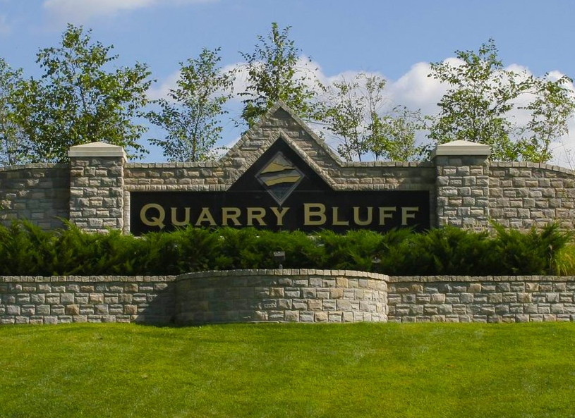 quarrybluff_entrance.JPG