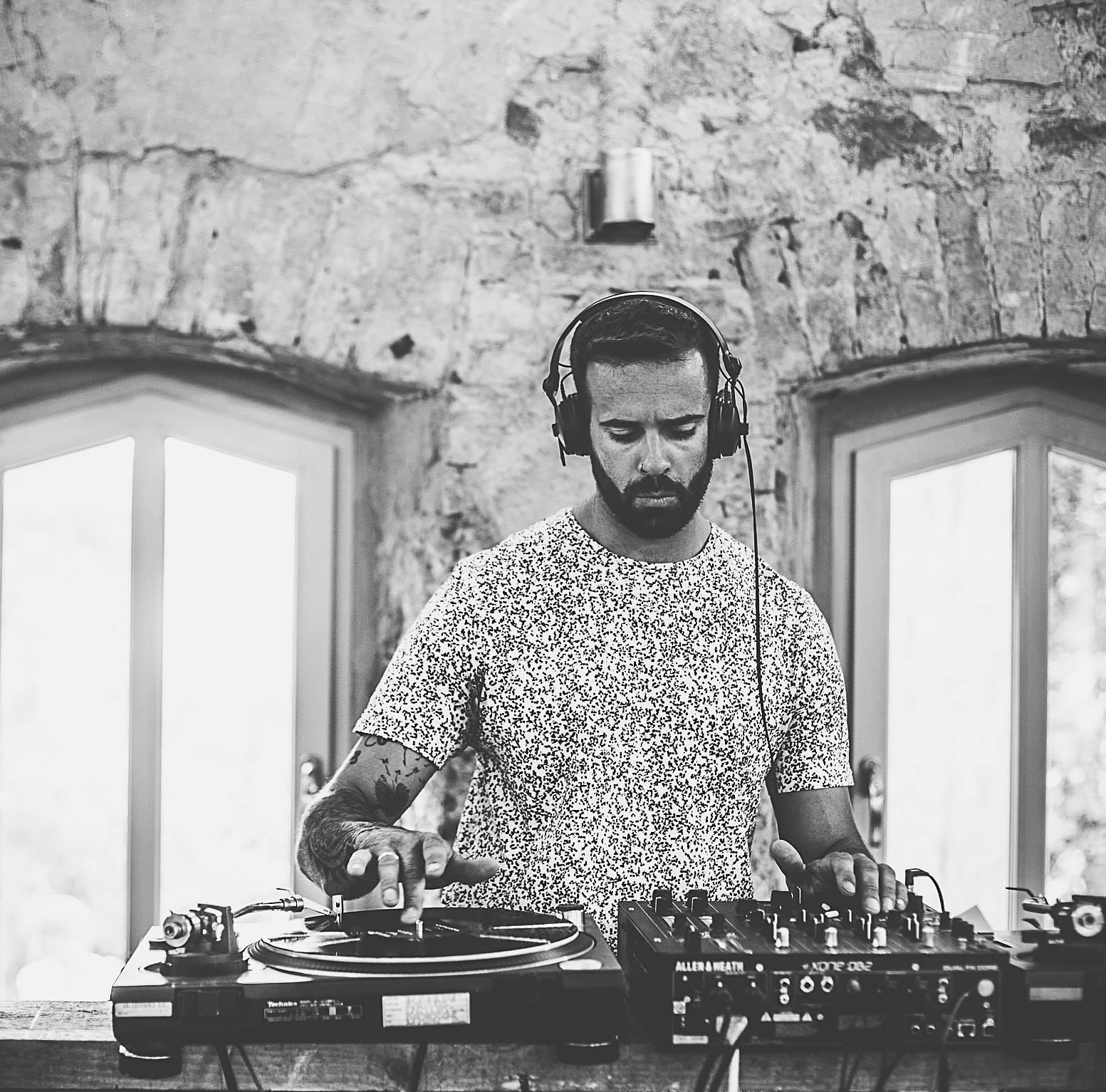 DANIEL VARGAS - Minimal, Techno, House