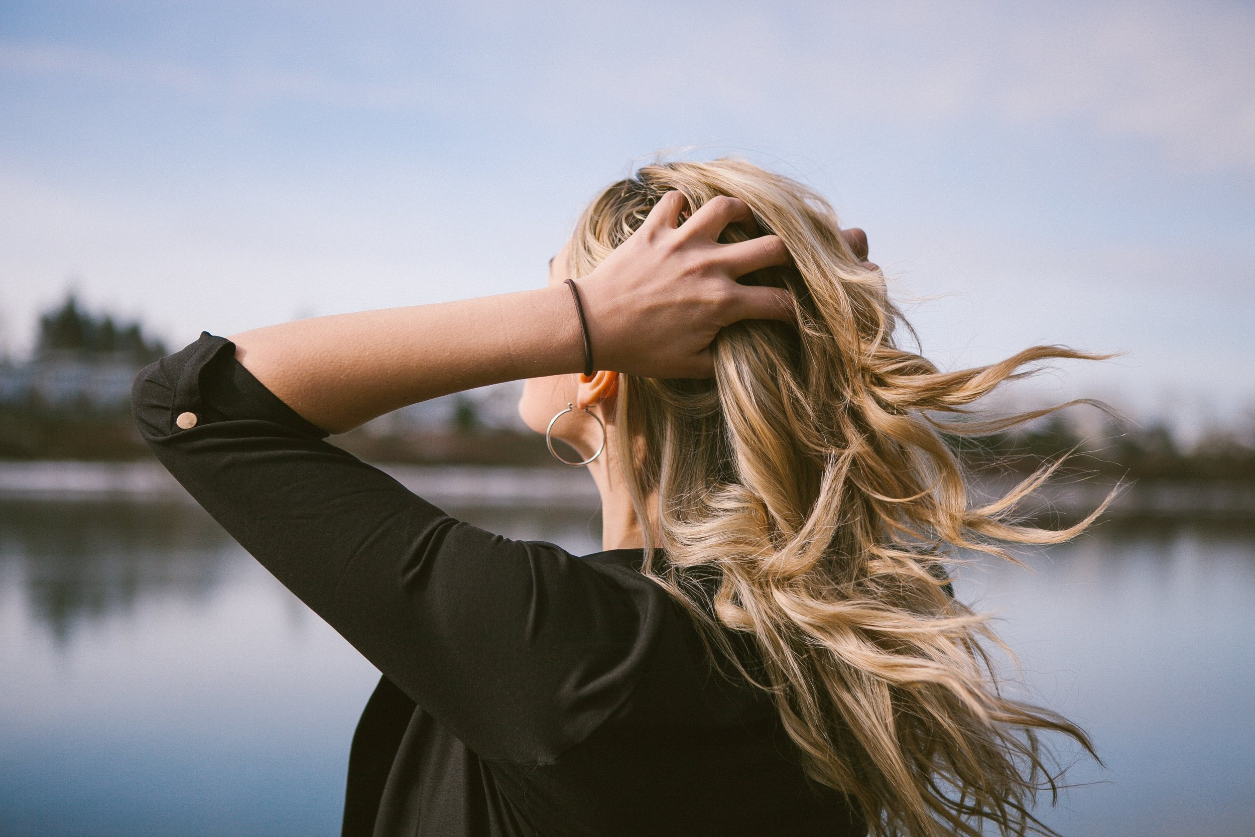 are hair extensions hard to manage on holiday?