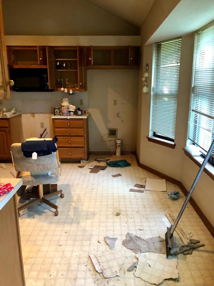before kitchen..jpg