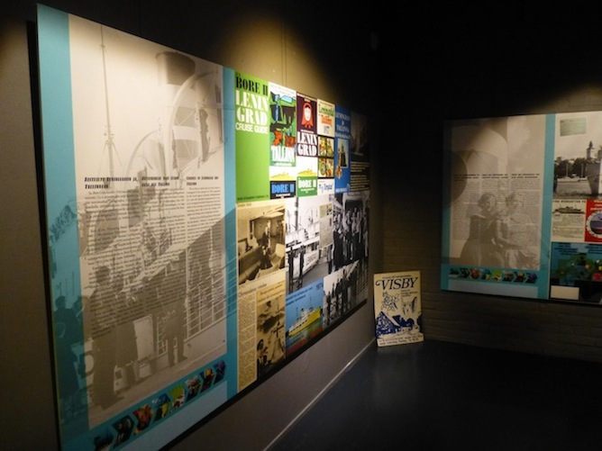 Matkakohteet näkyvät hyvin aikakauden mainoksissa: Leningrad, Visby, Tallinna.