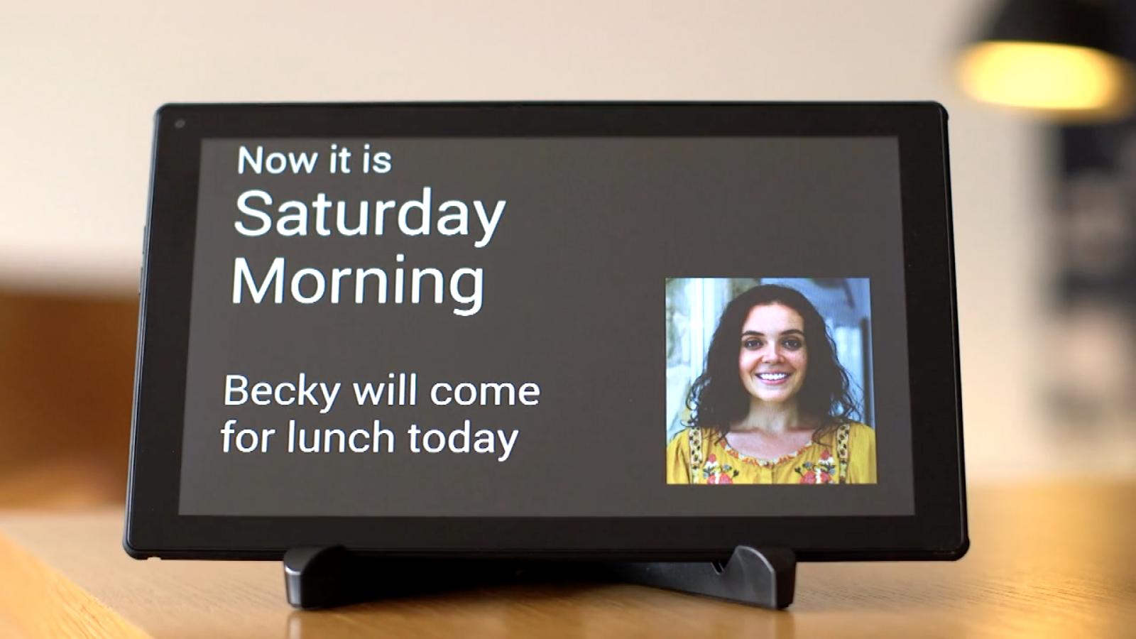Her kører en testversion af MemoClock på en billig Android-tablet