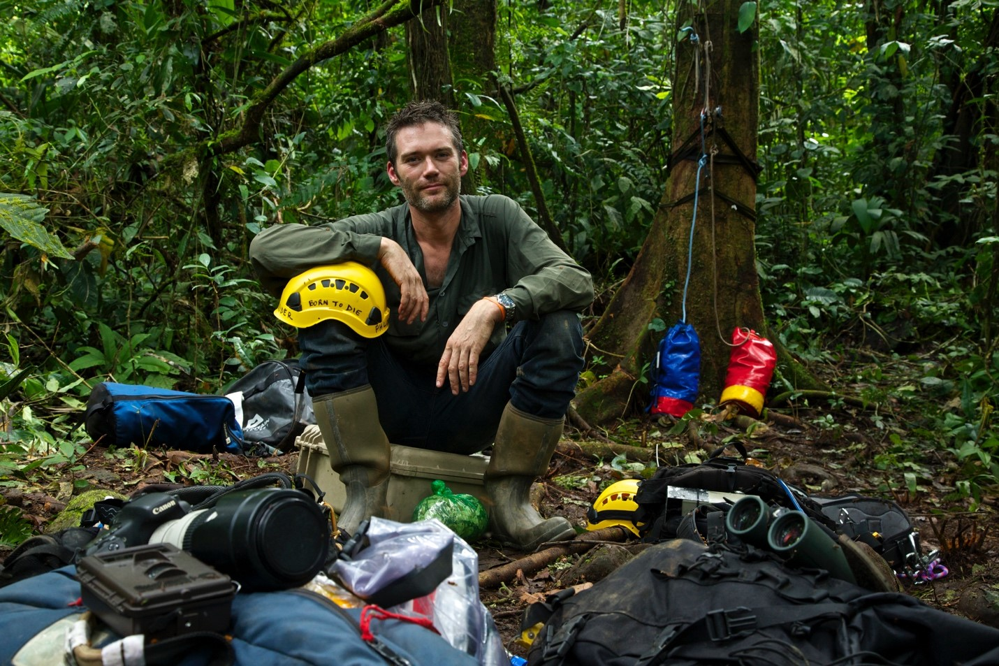 Charlie Hamilton James in Manu National Park – Photo: National Geographic
