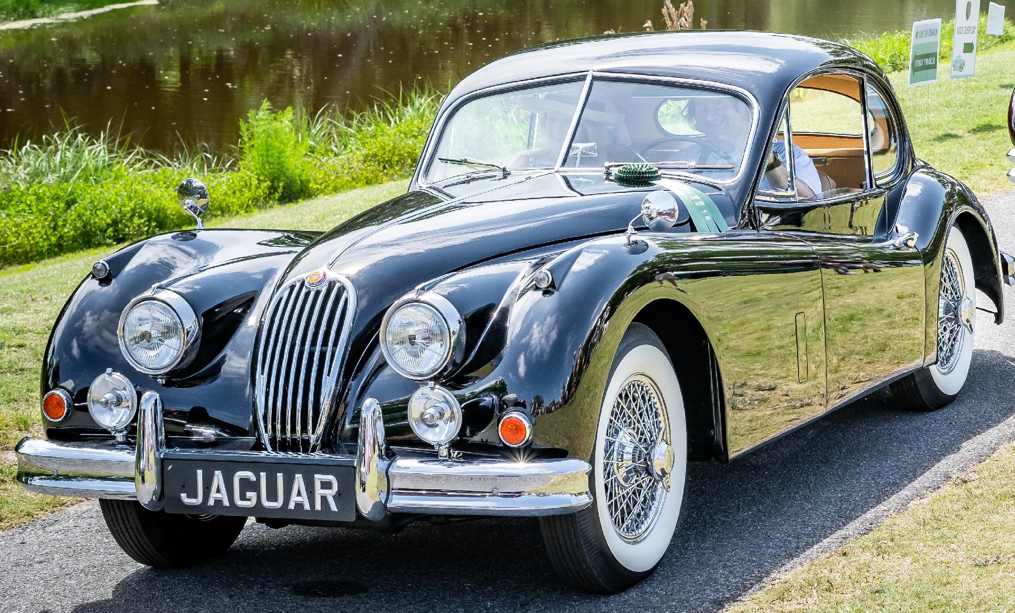 Class Award British - Scott & Natalie Bluestein's '56 Jaguar XK140