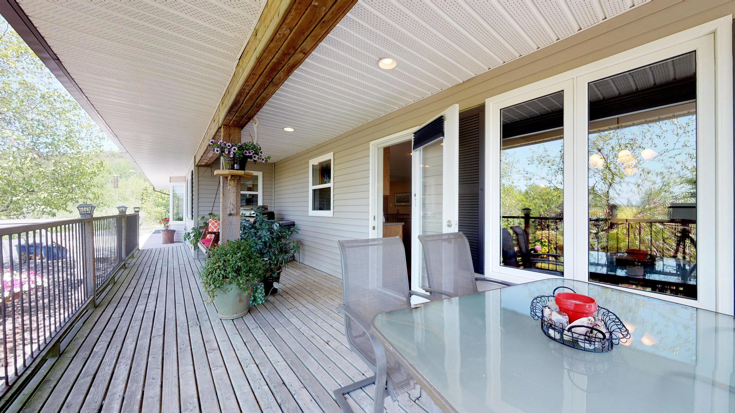 Rear Deck(1).jpg