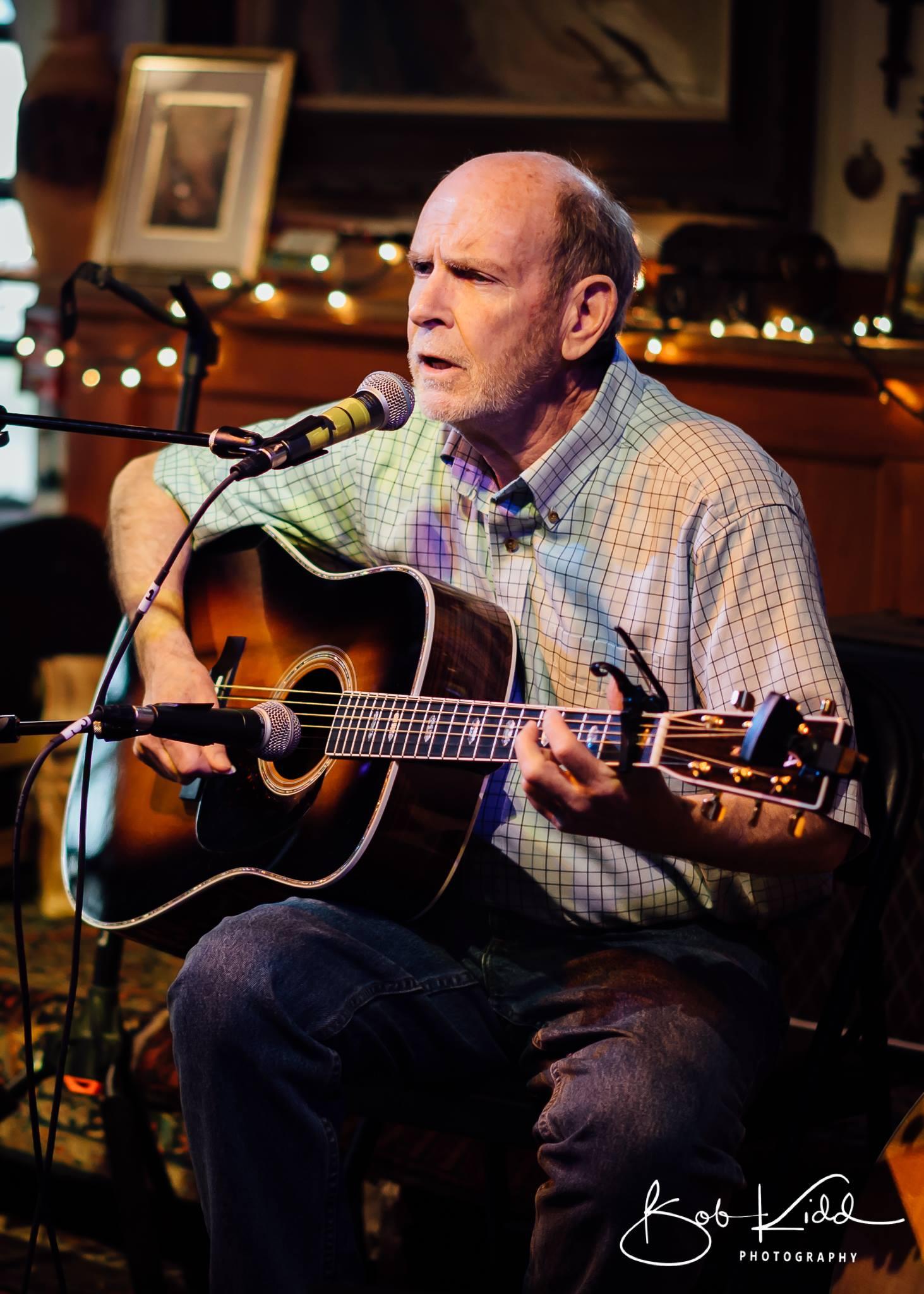 Bob Woods photo.jpg