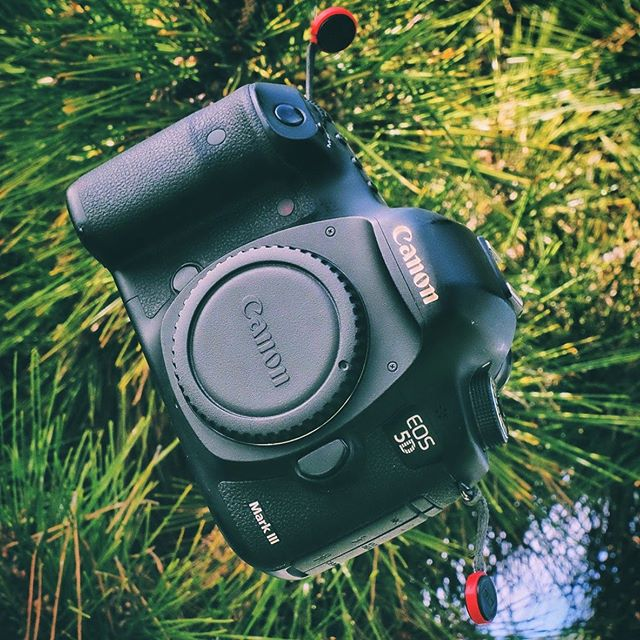 Fully moving over to Fuji cameras so it time to sell my #canon5dmarkiii DM me if your interested. #canon #camera #selling #oc #losangeles