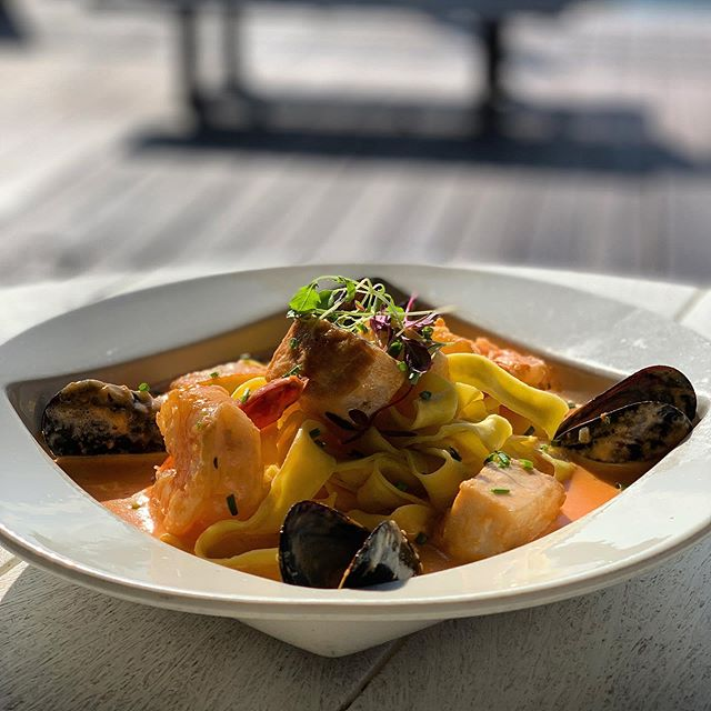 Tonight's special- seafood pasta! Swordfish medallions- shrimp- scallop- mussels- served of pappardelle in a vodka crème sauce! 🍽 . . . . . . . #food #seafood #pasta #foodporn #marinabay #marinabayquincy #boston #bostonfoodies #southshore #southshorefoodies #bostonfoodjournal #dinnerwithaview