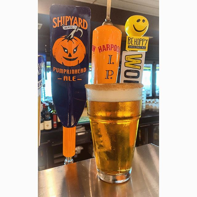 It's baaaack 🎃 Today is the perfect day for a Shipyard Pumpkin with a cinnamon rim (and maybe even a little vanilla vodka 😏) The heaters are on and we've got college football on all day! Come down and see us 🙌🏼
