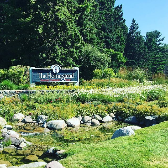 What a great place to experience Northwestern Michigan! @thehomesteadmi #m22 #m22life #lelandmichigan #glenarbor #upnorth #puremichigan #michigangolf #michiganwine #michiganbeer