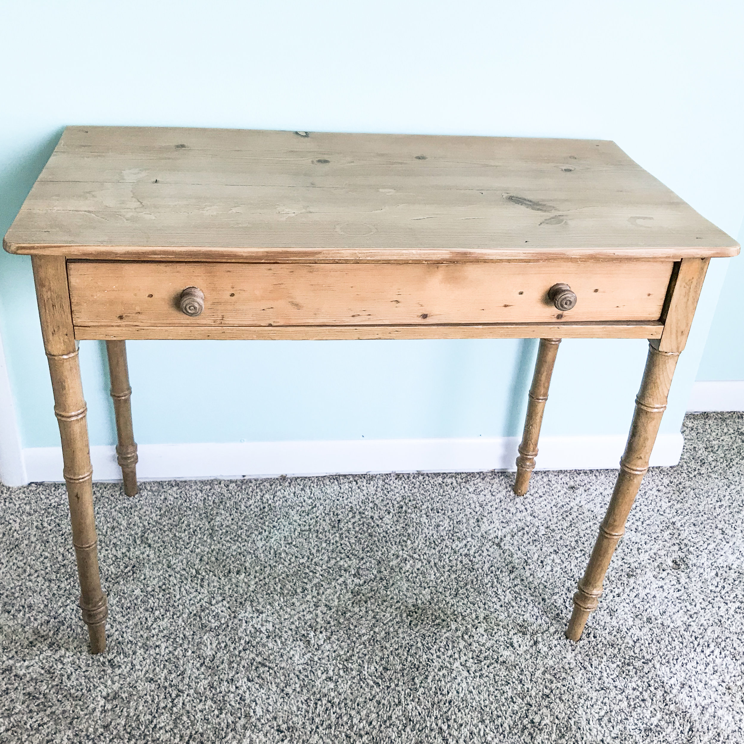 I found this table with faux bamboo legs on the Facebook Marketplace.