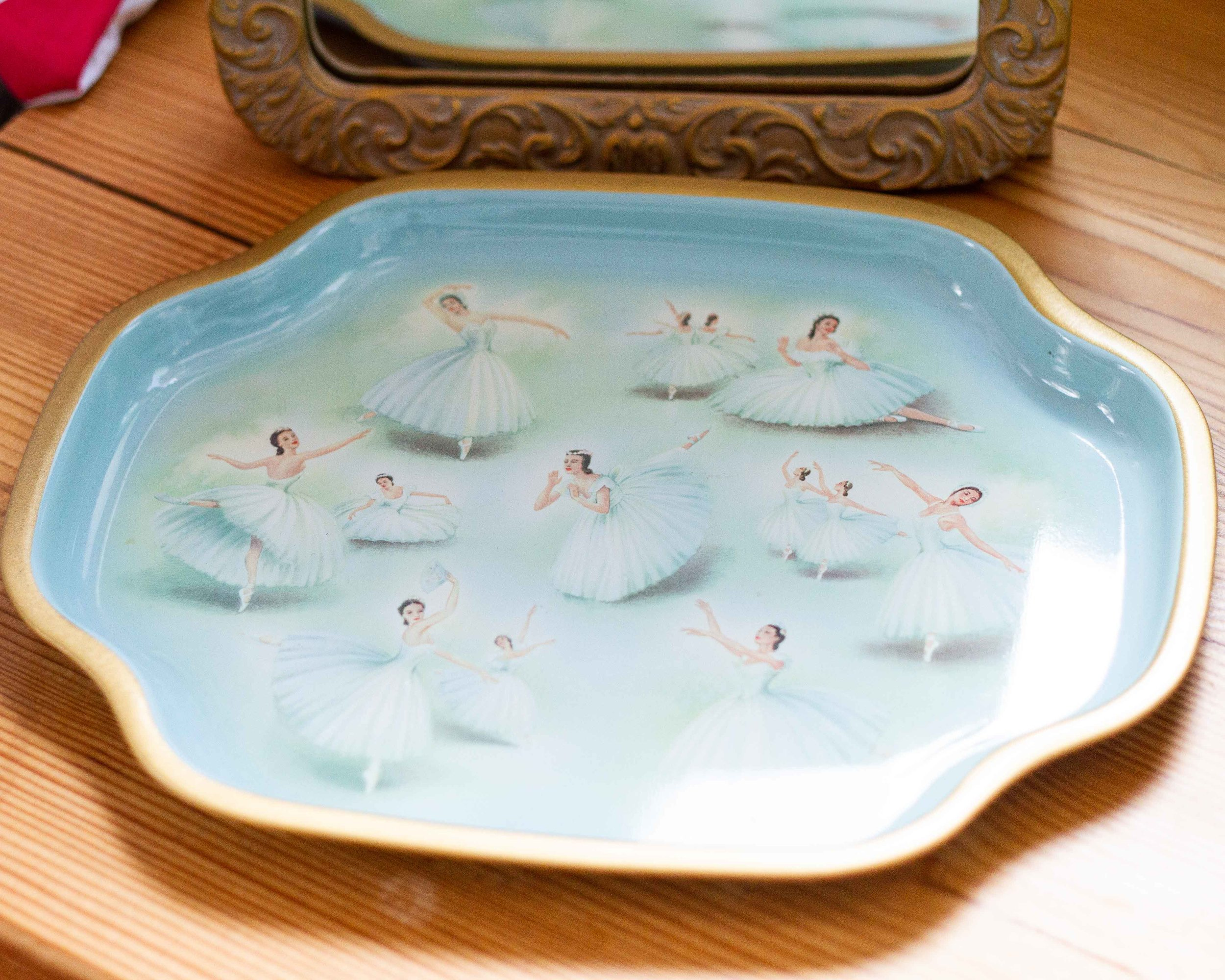 A vintage Worcester Ware Tray