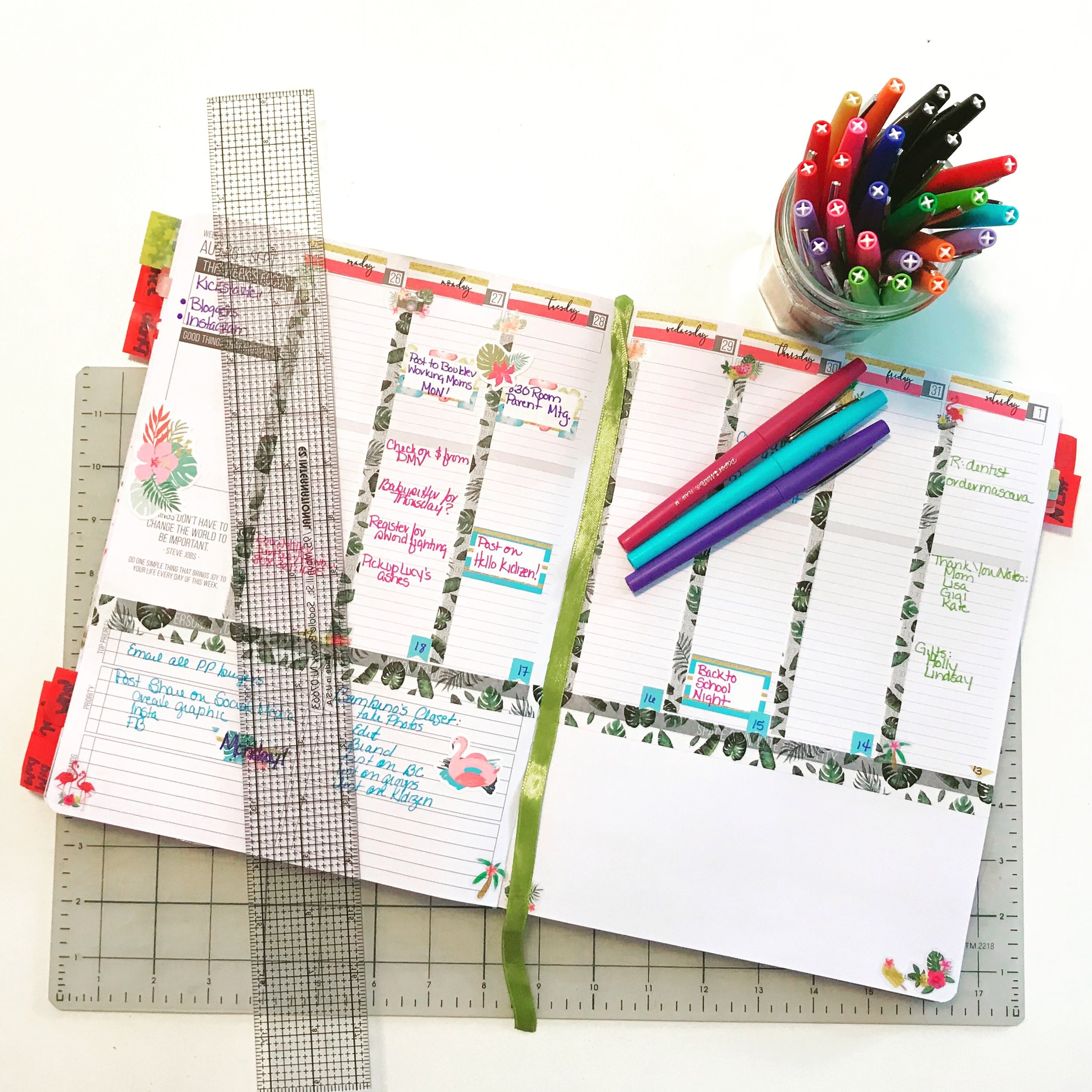 The best pens and markers for planners. Decorating ideas, printables, spread examples, and washi tape.
