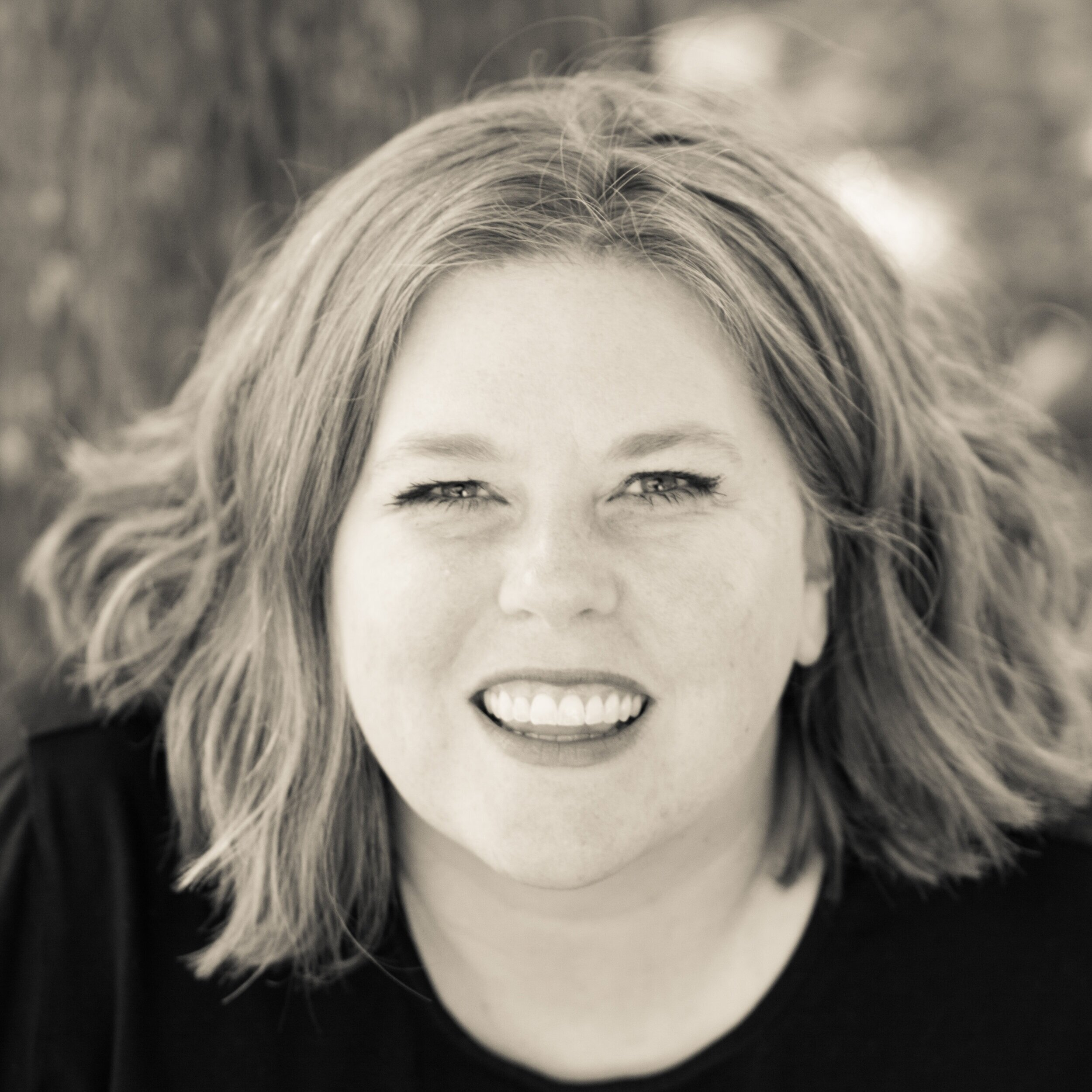 Angela K. Nickerson, the Mid Modern Mama