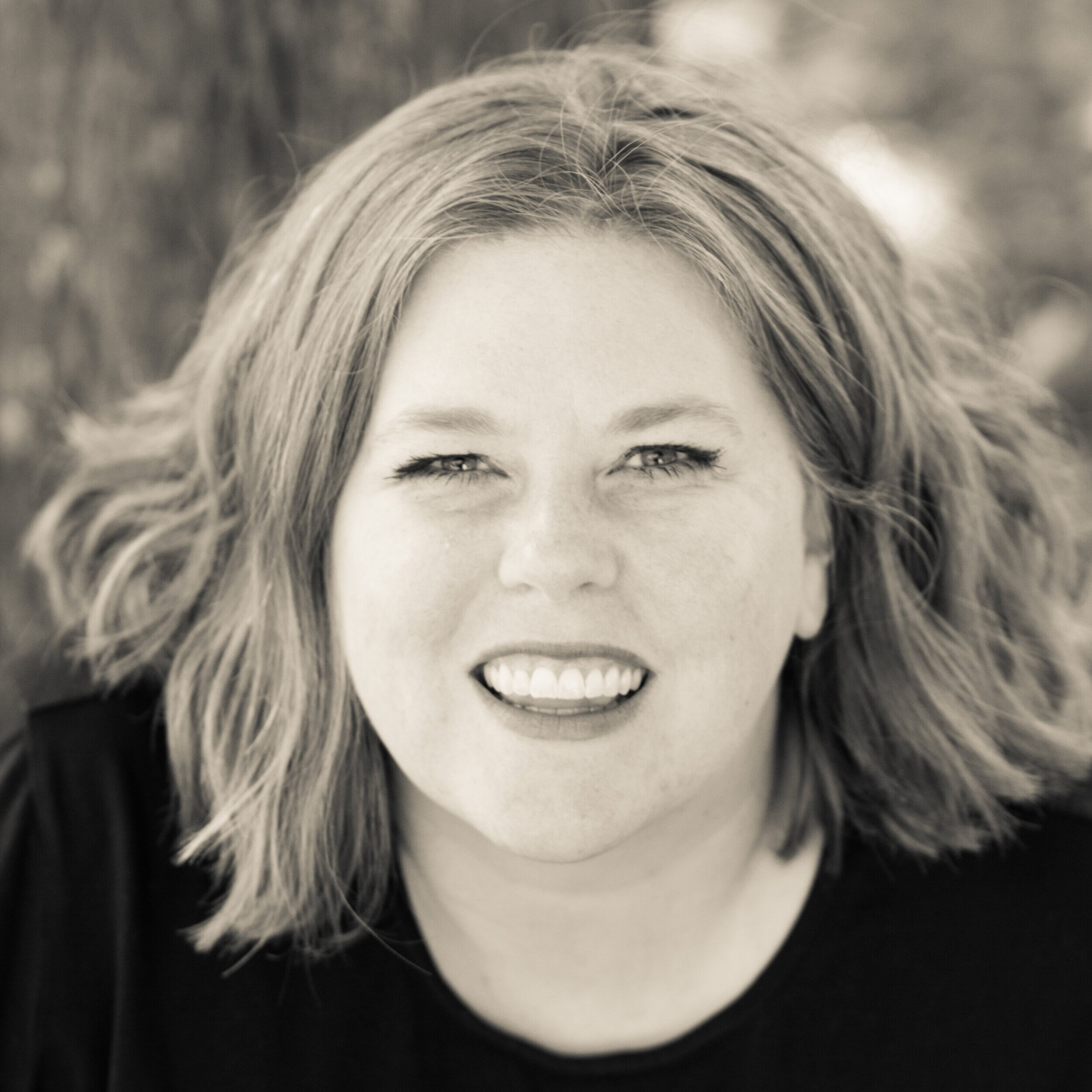 About me… - Hi! I'm Angela K. Nickerson, the Mid Modern Mama.