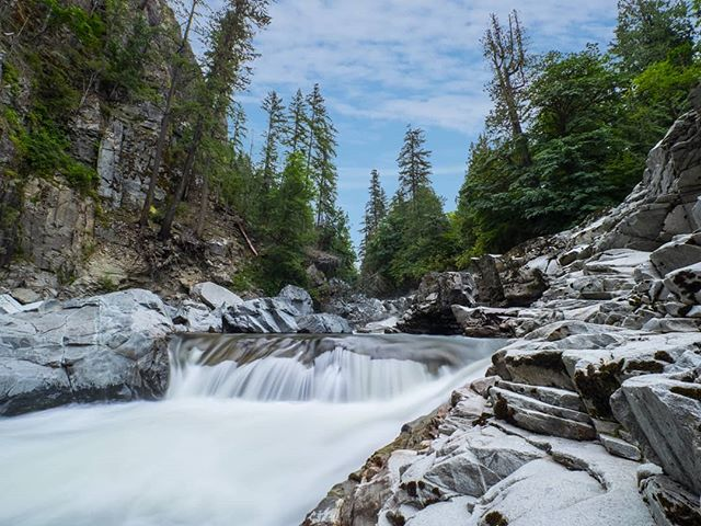 Had a fun time visiting Granite Falls this weekend, I feel they look different every time I visit! . . . #wastate #waterfalls #pnwonderland #pnw  #snohomishcounty #getolympus #olympuscameras #olympusomd #omd #em1ii #m43 #smallsensor #granitefalls #granitefallswa #nature #water #mzuiko #mzuiko714pro #stcclipfilter #nd64