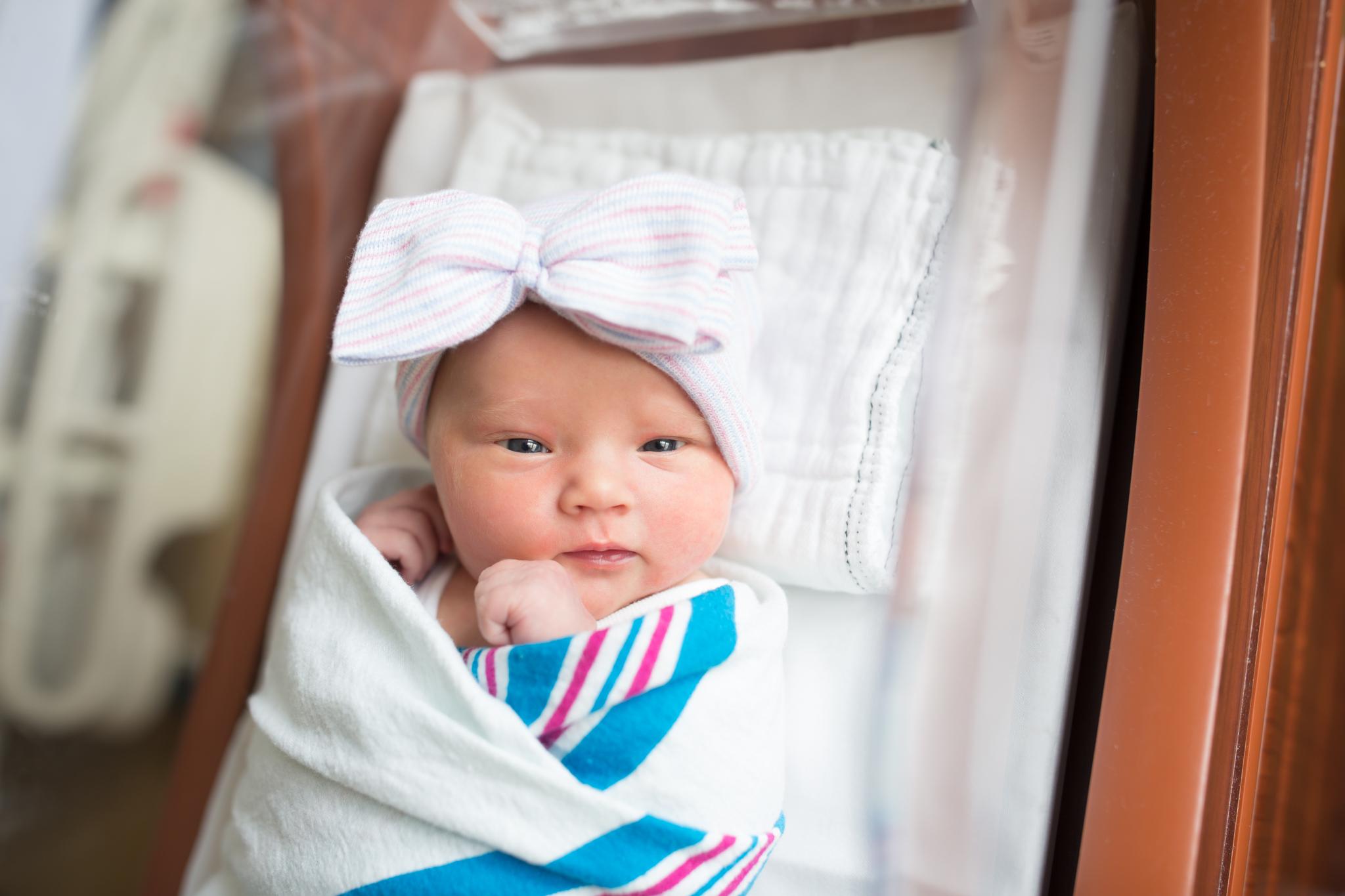 Newborn hospital fresh 48 Session Cara Peterson Photography Rockford IL-1-2.jpg