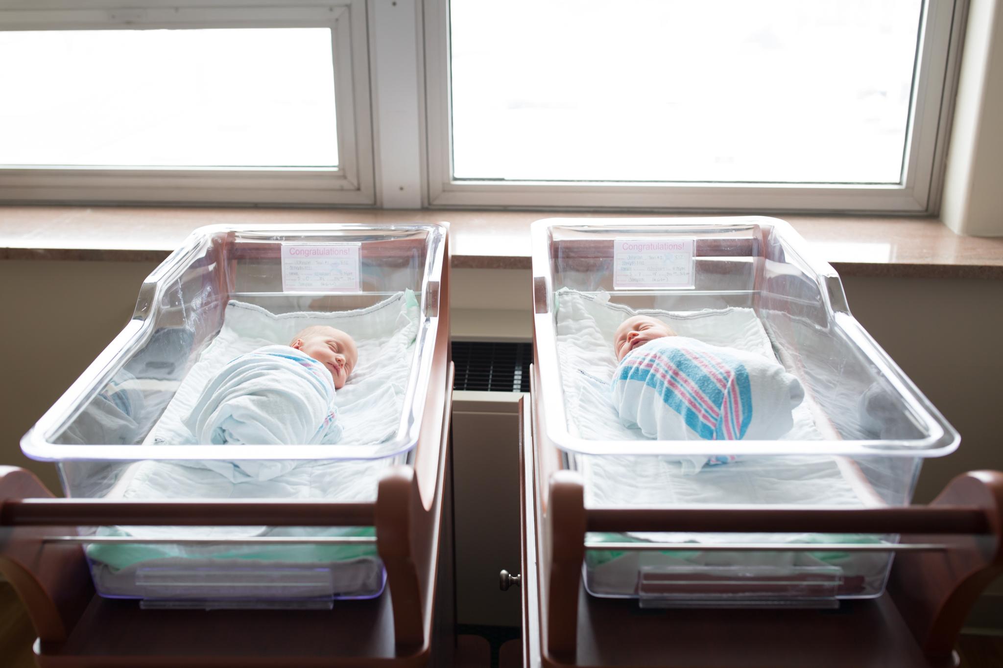 newborn lifestyle hospital fresh 48 Session Cara Peterson Photography Rockford IL-3.jpg