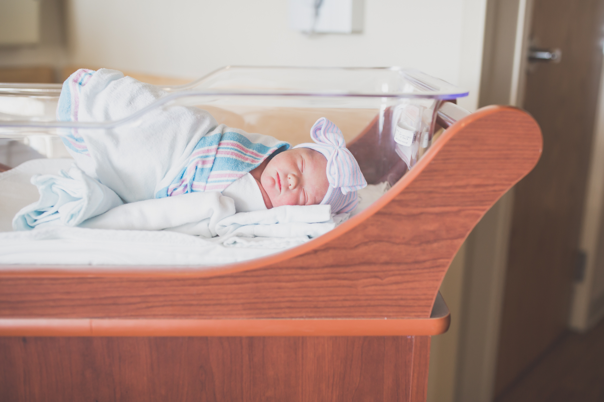 newborn studio lifestyle home hospital fresh 48 Session Cara Peterson Photography Rockford IL-2.jpg