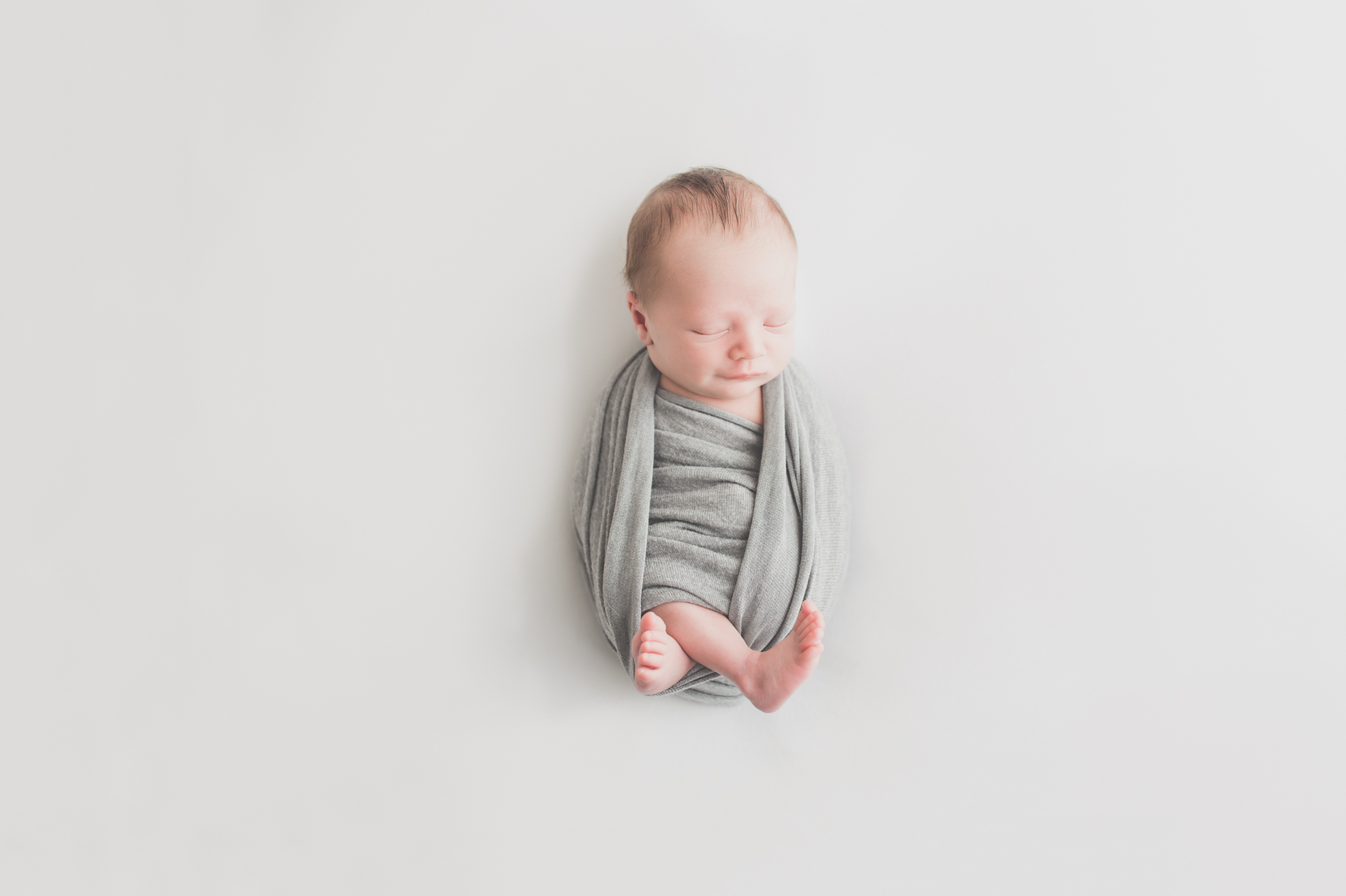 Beau Newborn Studio session Rockford IL cara peterson photography-12.jpg