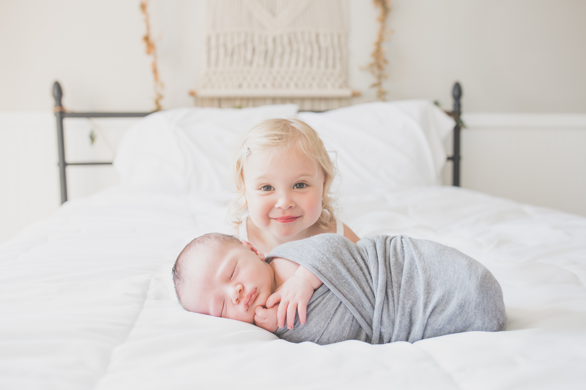 Sibling photos Newborn session photographer lifestyle studio - Cara Peterson Photography Rockford IL-1-2.jpg