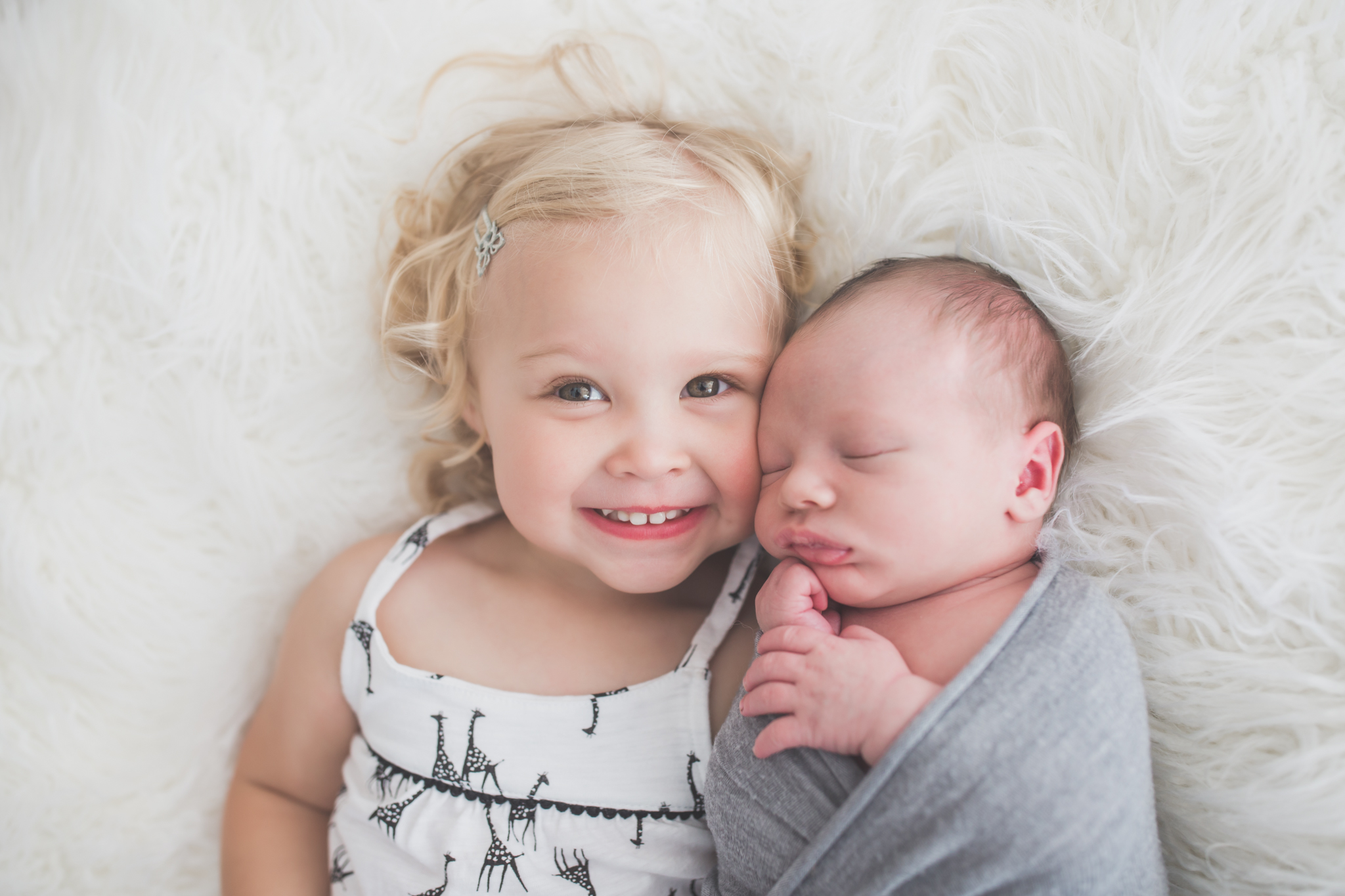 Sibling photos Newborn session photographer lifestyle studio - Cara Peterson Photography Rockford IL-3-2.jpg
