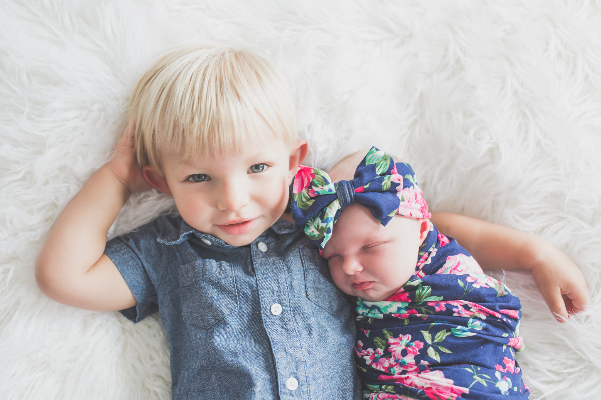 Sibling photos Newborn session photographer lifestyle studio - Cara Peterson Photography Rockford IL-4-3.jpg