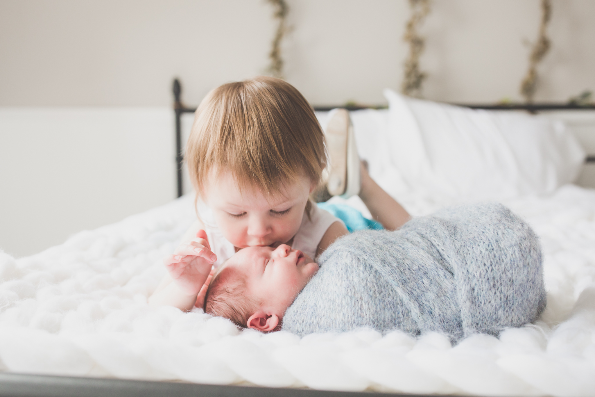 Sibling photos Newborn session photographer lifestyle studio - Cara Peterson Photography Rockford IL-4-4.jpg