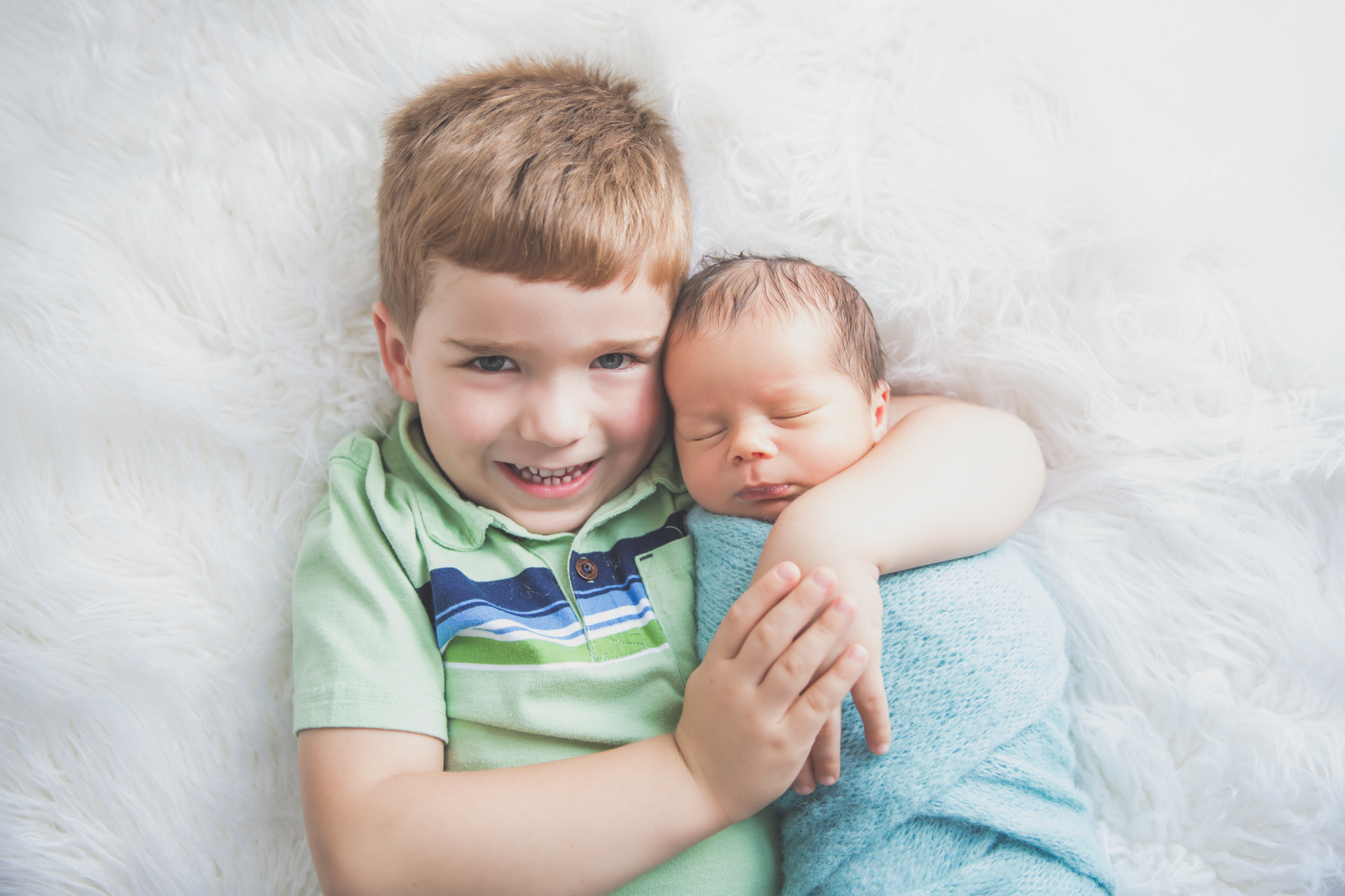 Sibling photos Newborn session photographer lifestyle studio - Cara Peterson Photography Rockford IL-4-10.jpg
