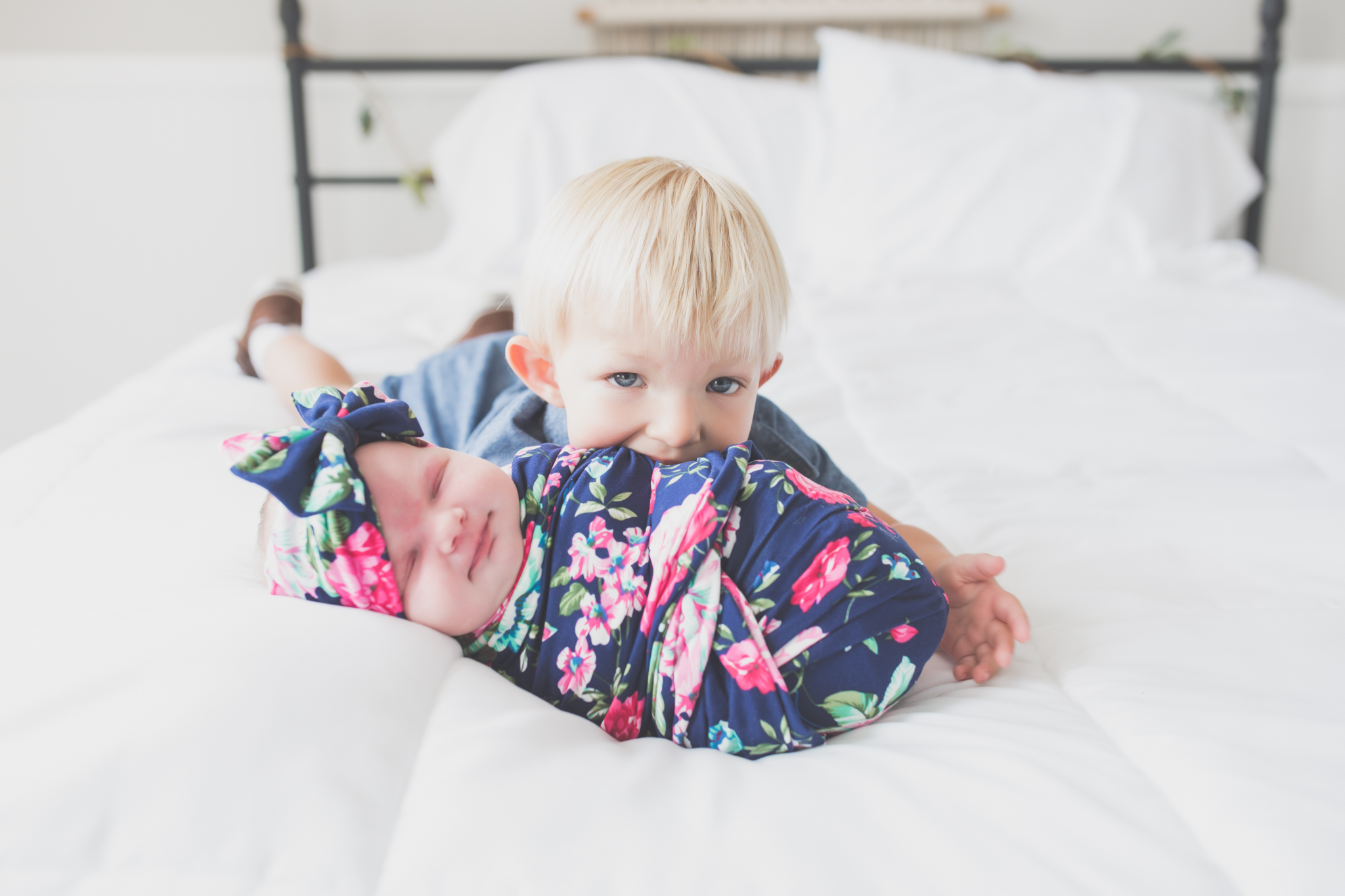 Sibling photos Newborn session photographer lifestyle studio - Cara Peterson Photography Rockford IL-5-3.jpg